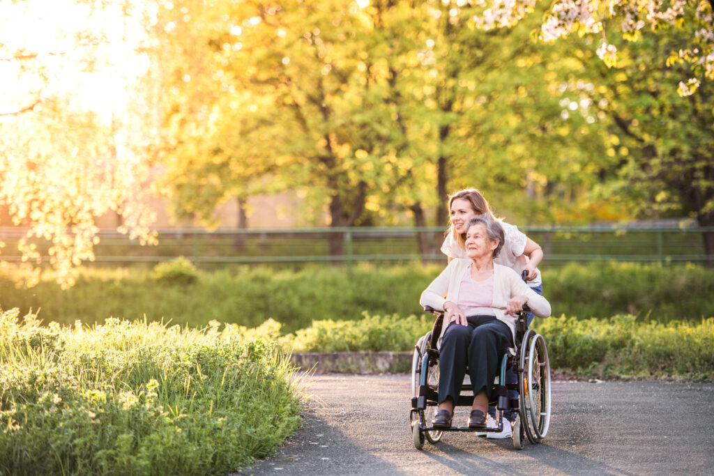 How to Settle a Parent with Dementia into Memory Care