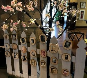 Heritage of Green Hills Decorates Picket Fence for Fathers Day